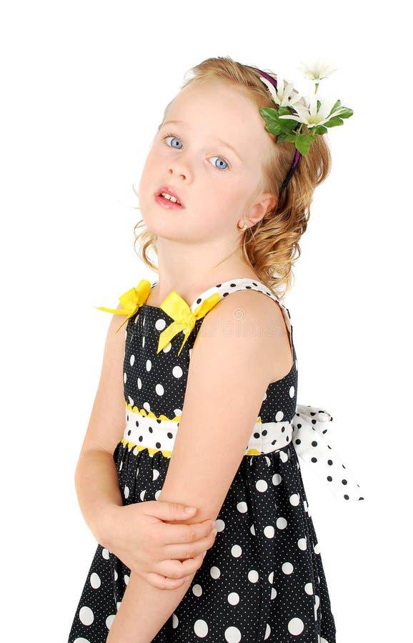 Assez peu de fille sérieuse de jardin d'enfants photos stock