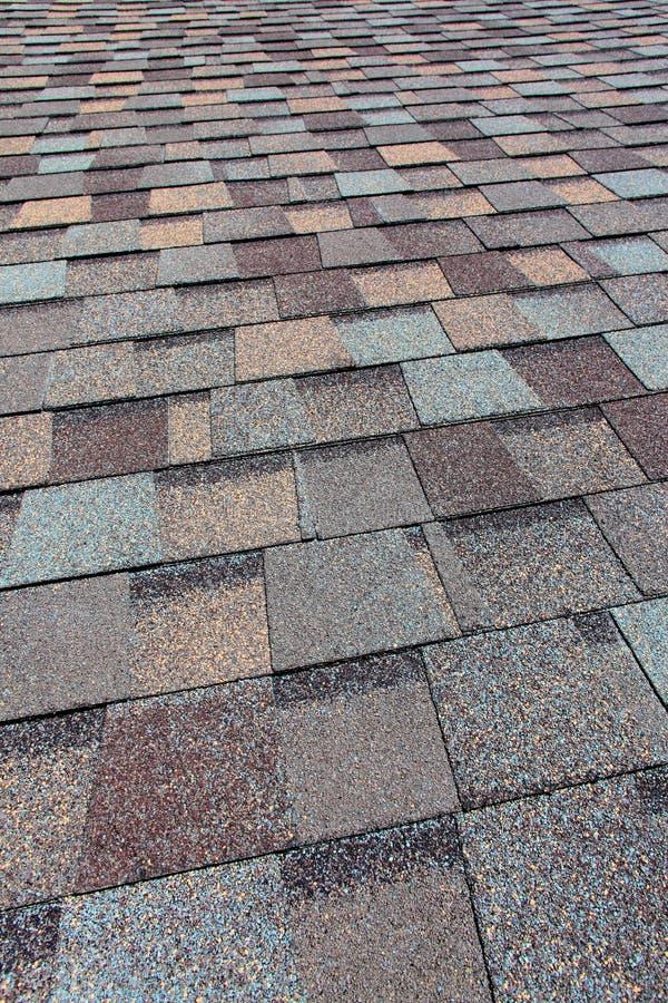 Assicelle del tetto di asfalto fotografia stock libera da diritti