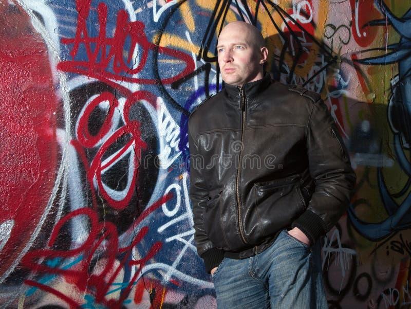 Assiette urbaine de graffiti d'homme photographie stock