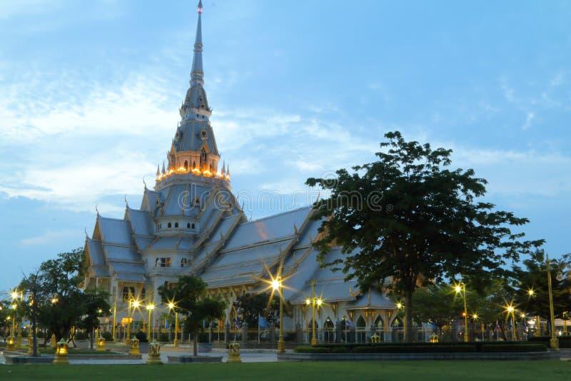 Assim Thorn Temple em Tailândia fotos de stock