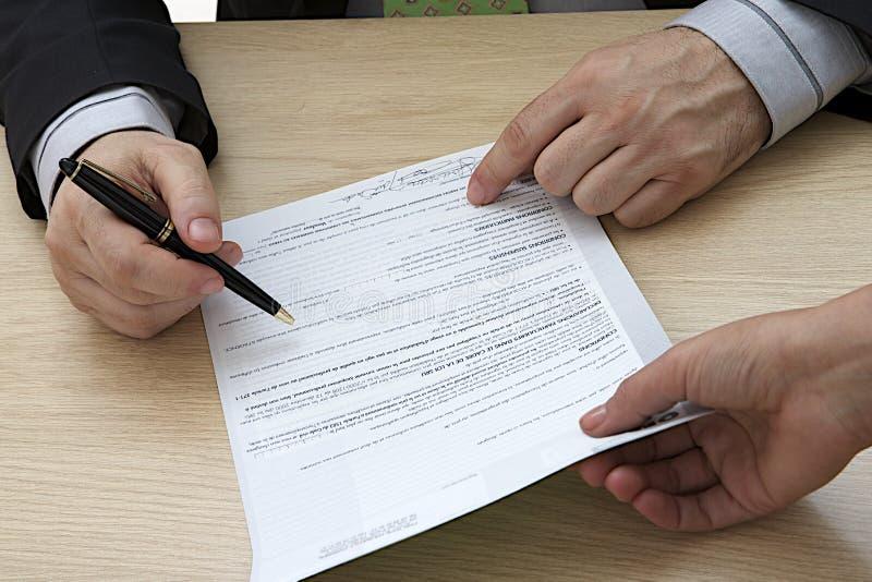 Assinatura de contrato imagens de stock royalty free