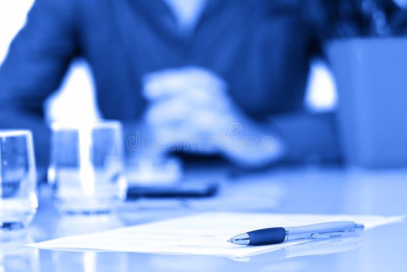 Assine o contrato imagem de stock