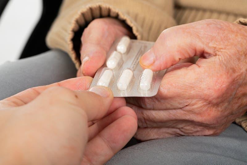 Assistência ao domicílio - drogas médicas fotos de stock