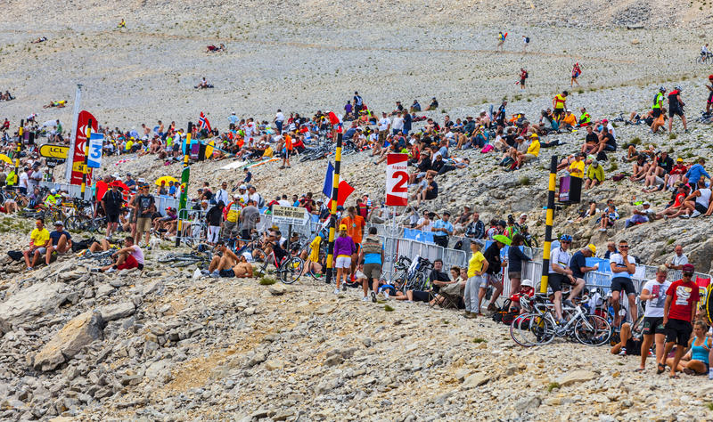 Assistance De Tour De France Sur Mont Ventoux Photo stock éditorial