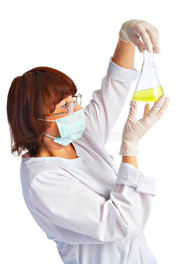 Assistente de laboratório com garrafa imagem de stock