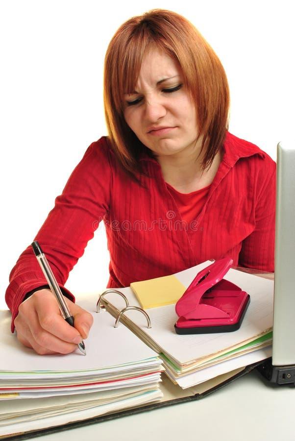 Assistente do escritório com um dobrador e um portátil fotos de stock