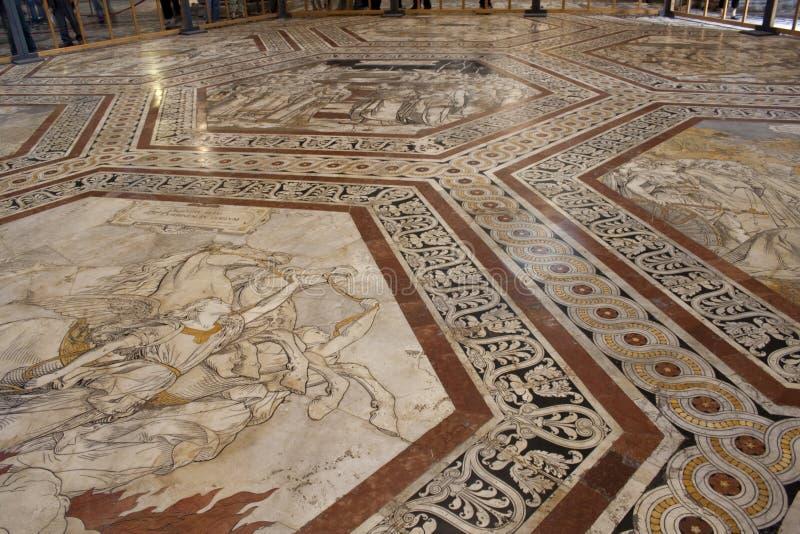 Assoalho da catedral em Siena foto de stock royalty free