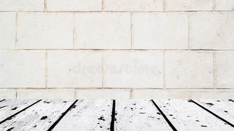 Assoalho de madeira branco e pintura mural velha da parede fotos de stock royalty free