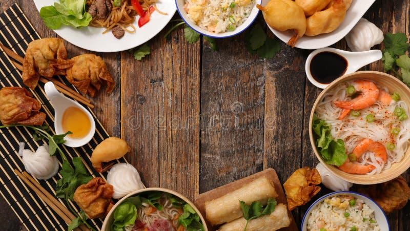 Assorti de la nourriture asiatique photographie stock libre de droits