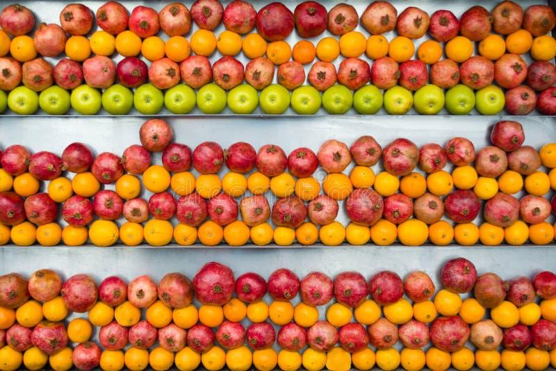 Assortiment d'haut étroit de fruits exotiques photos stock