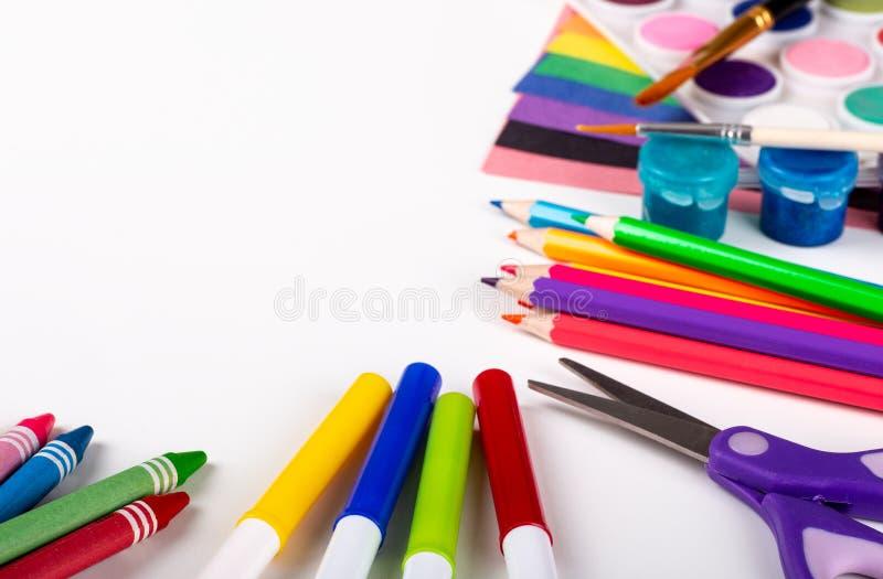 Assortiment de la coloration de peinture et des articles de dessin de métier image stock
