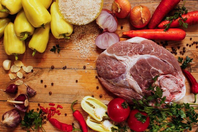 Assortiment des ingrédients pour le poivre bourré de la viande photographie stock