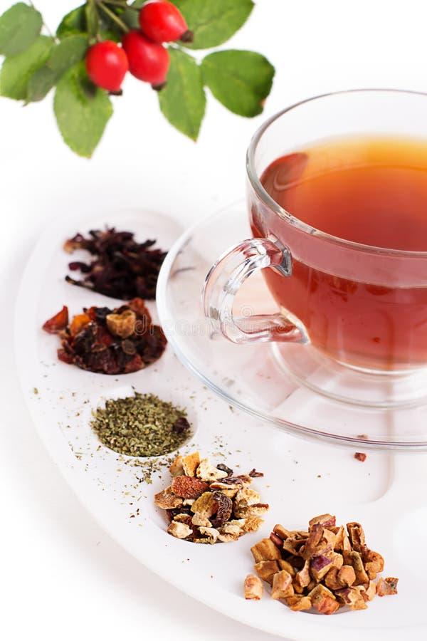 Assortiment van droge thee in palet stock afbeeldingen