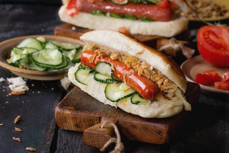 Assortiment van eigengemaakte hotdogs royalty-vrije stock fotografie