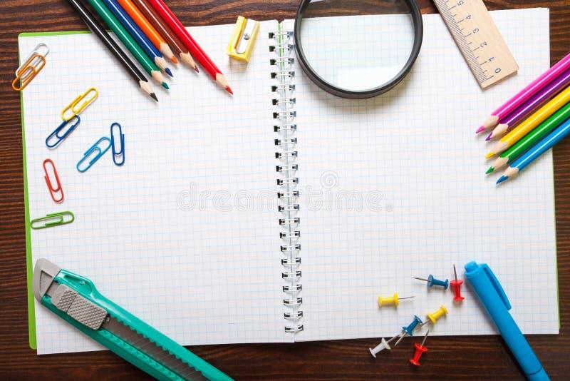 Assortiment van schoolpunten stock foto