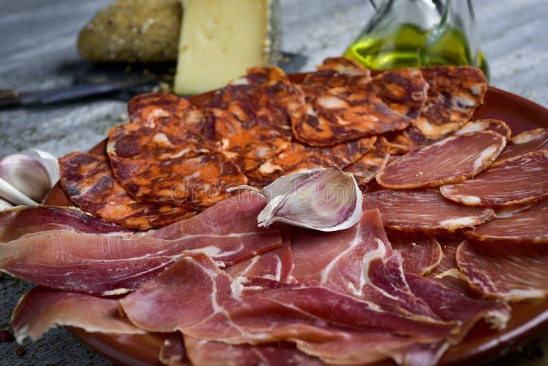 Assortimento delle carni fredde spagnole immagine stock