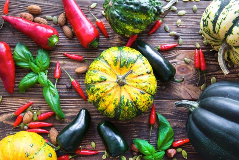 Assortmnet av grönsaker, ljusa färger arkivbilder