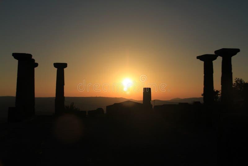 从Assos的图象防御- Behramkale, Assos,爱琴海村庄 免版税库存图片