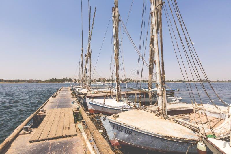 ASSOUAN, EGYPTE - 25 MARS 2017 : Bateau de Felucca sur le Nil, photo libre de droits
