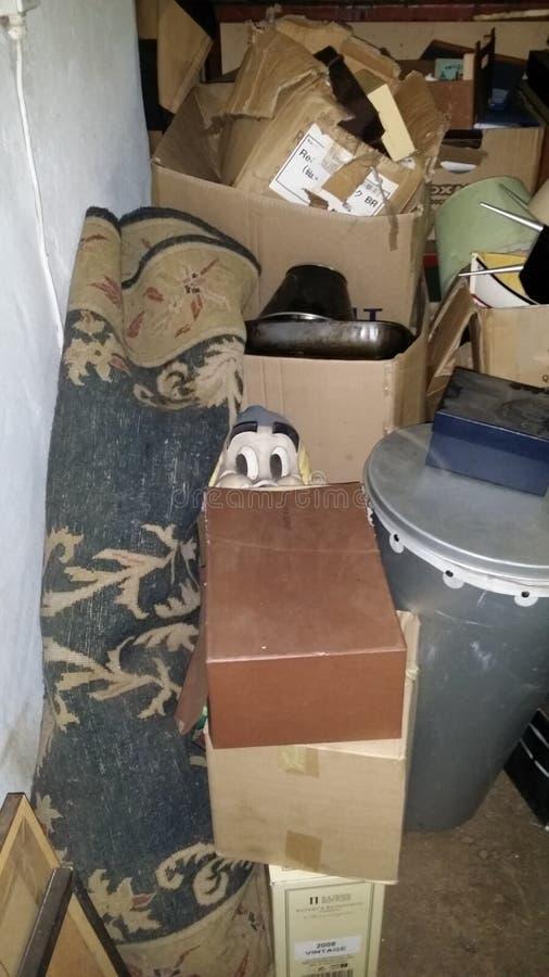 Astérix se cachant dans le garage photos stock