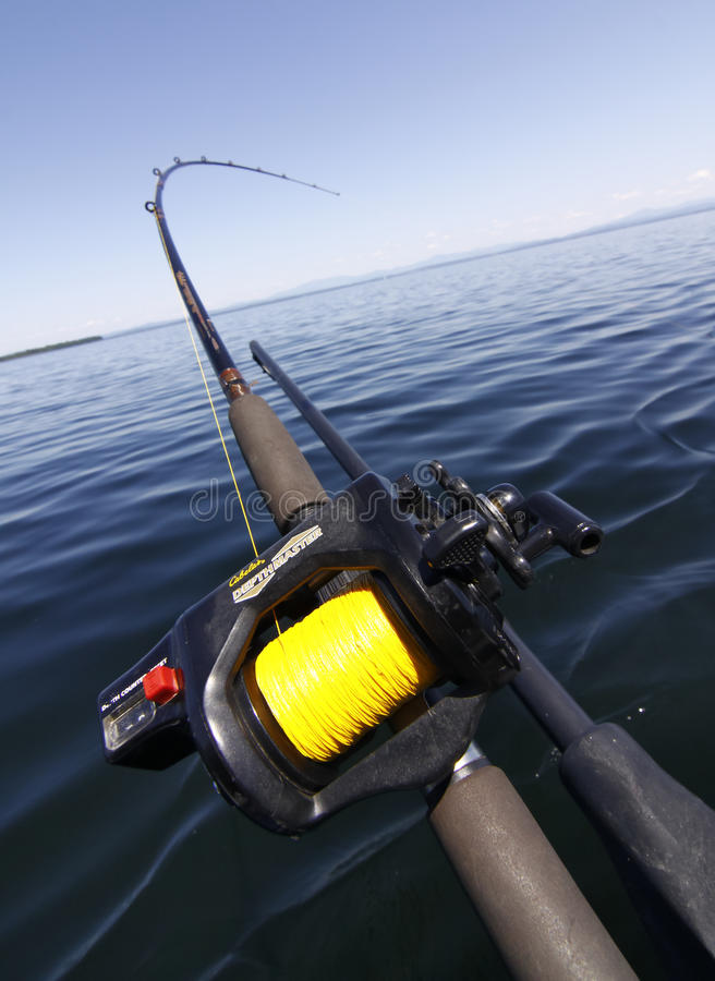 Asta di pesca di Downrigger fotografia stock libera da diritti
