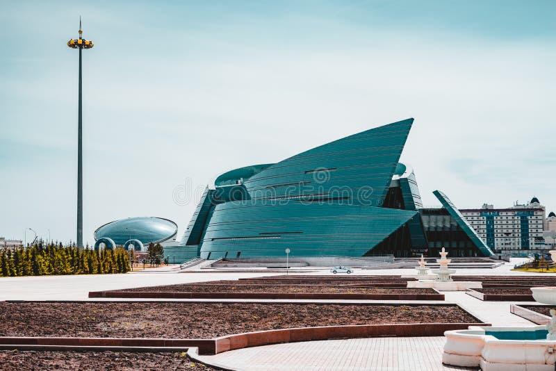 Astaná, Kazajistán - julio de 2018: localizado en el centro administrativo, único en su diseño arquitectónico, el más grande fotografía de archivo