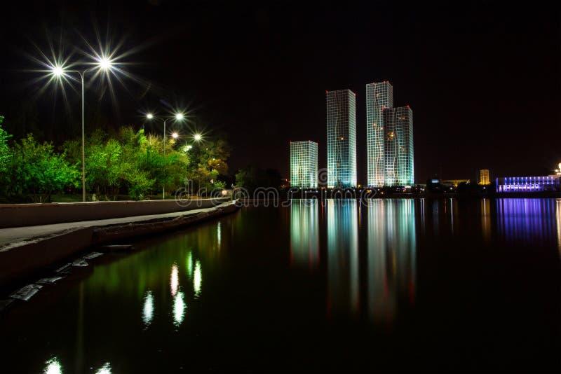 Astana. πανόραμα νύχτας του Καζακστάν στοκ εικόνες με δικαίωμα ελεύθερης χρήσης