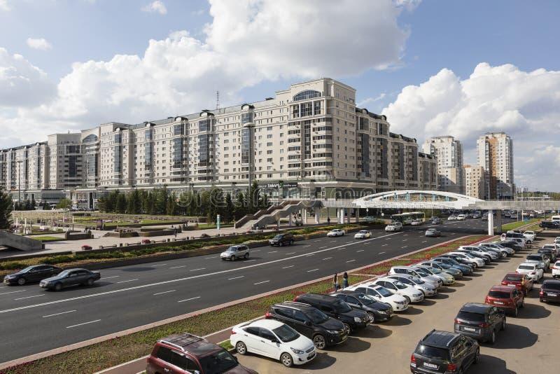 Astana, Kasachstan, am 2. August 2018: Geschäftsgebiet mit modernen Häusern von Ministerien in der Mitte von Astana, Kasachstan lizenzfreies stockfoto