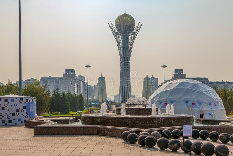 ASTANA KAZACHSTAN, LIPIEC, - 7, 2016: Baiterek zabytek obraz royalty free