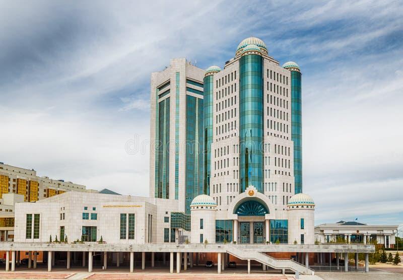 Astana Kazachstan, Wrzesień, - 3, 2016: Budynek Parl fotografia royalty free