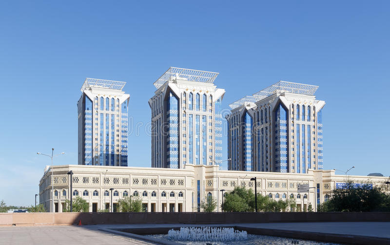 Astana, Kazakhstan - 12 août 2016 : CENTRE MILLENNIU D'AFFAIRES images stock