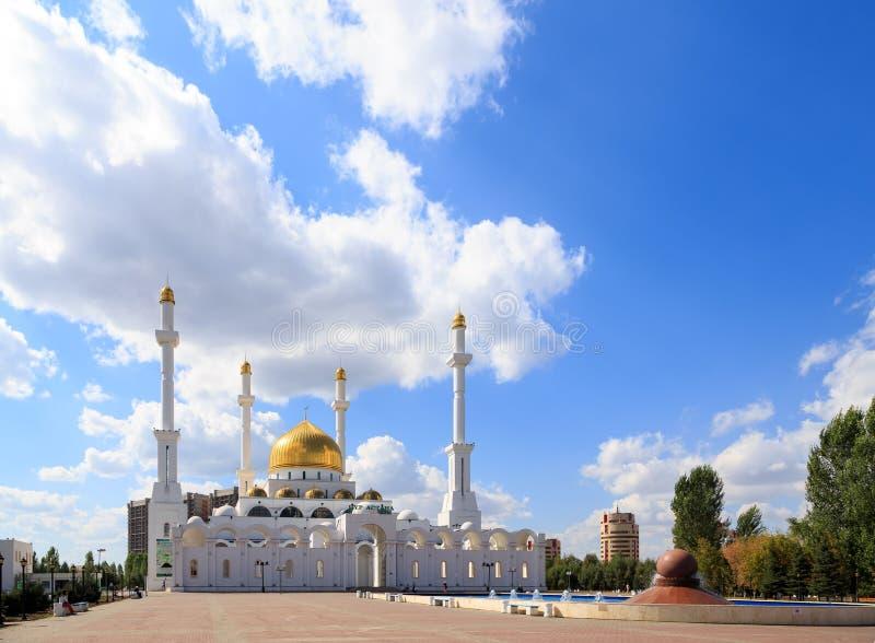Astana, Kazakhstan - 5 septembre 2016 : Mosquée de Nur-Astana image stock