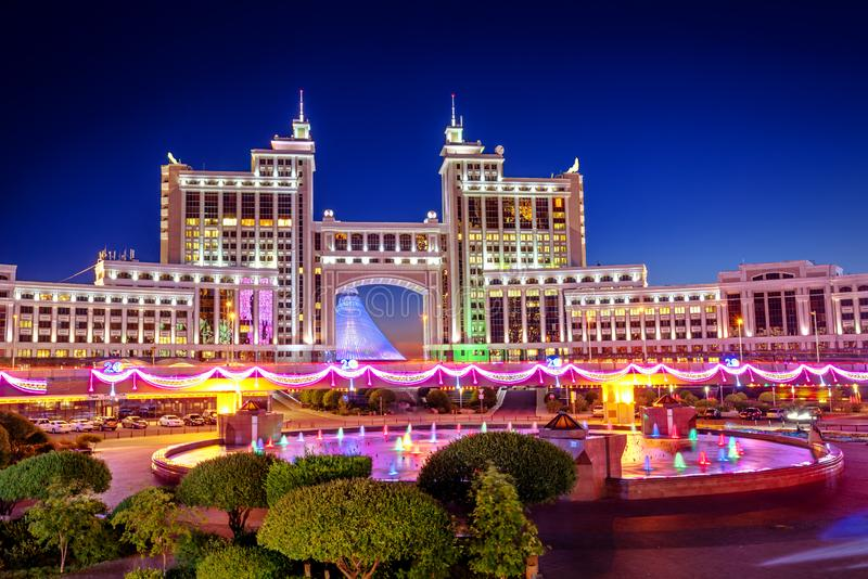Astana, Kazakhstan, vue de nuit de la ville photo libre de droits