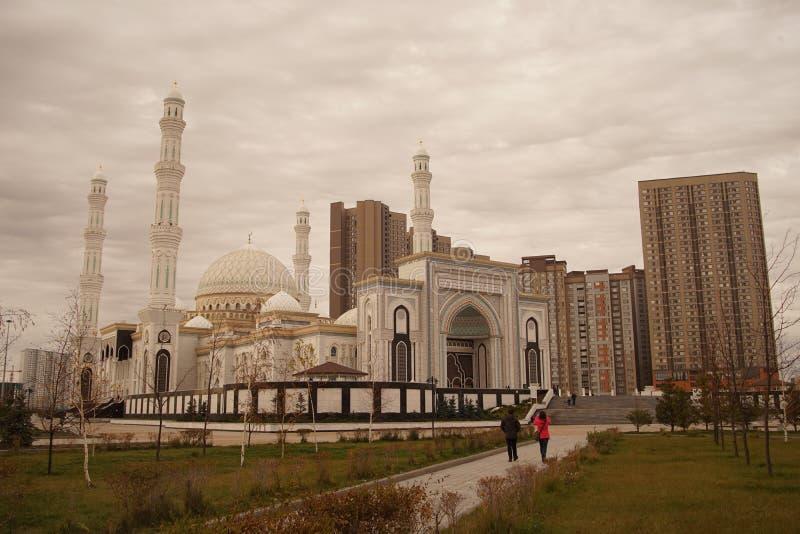 Astana miasta Hazrat sułtanu meczetowy wielki imponująco arhitektur obrazy royalty free