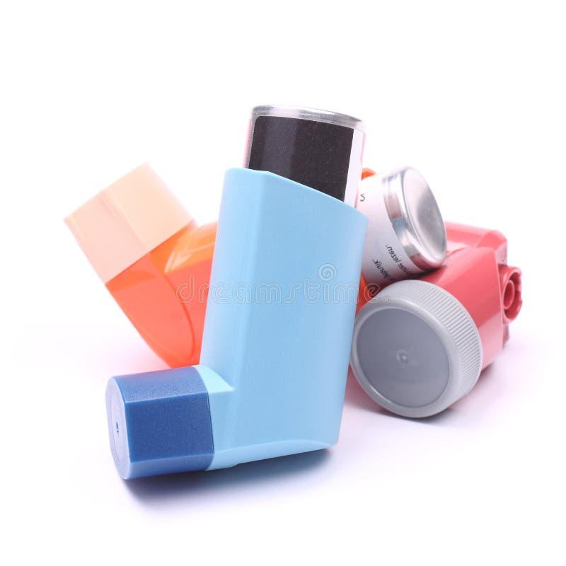 Astma inhalatory odizolowywający nad bielem fotografia stock