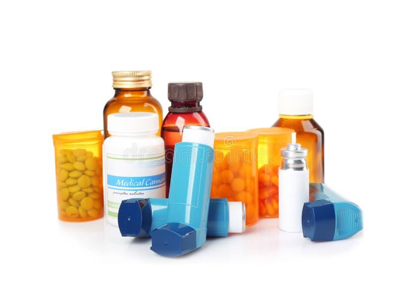 Astma medycyny i inhalatory zdjęcie royalty free