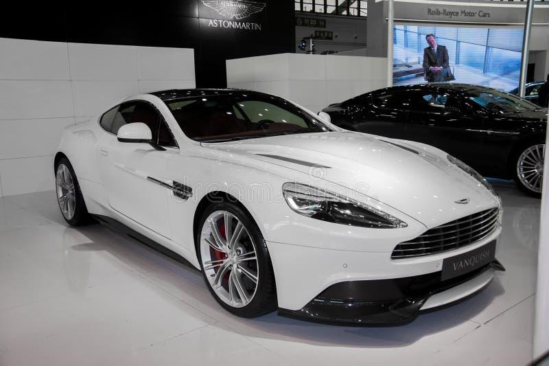 Aston bianca Martin sgomina l'automobile fotografia stock libera da diritti