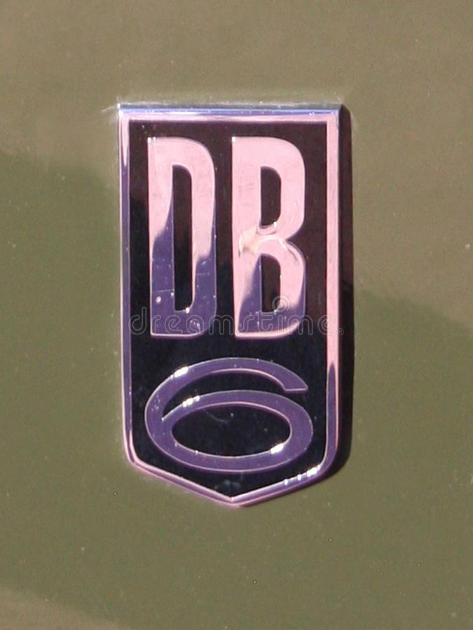 Aston Martin DB6 osłony chromu odznaka obrazy stock