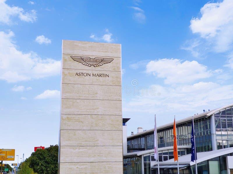 Aston Martin Logo / Marke / Emblem stockbild