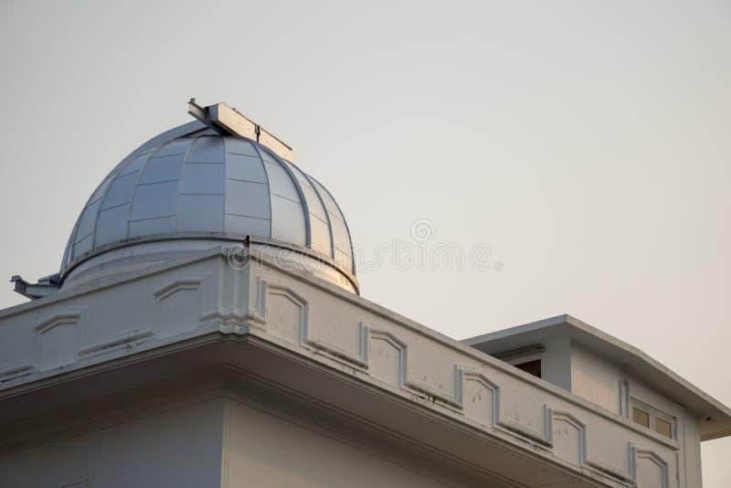 Astródomo del primer observatorio y planetario en Tailandia fotos de archivo libres de regalías