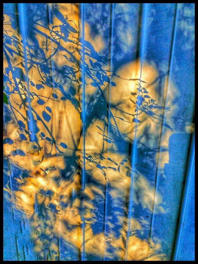 Astratta candela di Shadowed Hallway illuminava il corridoio fotografie stock libere da diritti