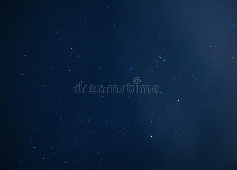 Astrofotografia del fondo stellato del cielo di notte immagine stock libera da diritti