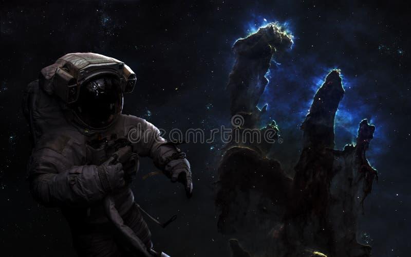 Astronaut im Weltraum Säulen der Schaffung, Sternhaufen Zukunftsromankunst Elemente des Bildes wurden von der NASA geliefert lizenzfreie stockfotografie