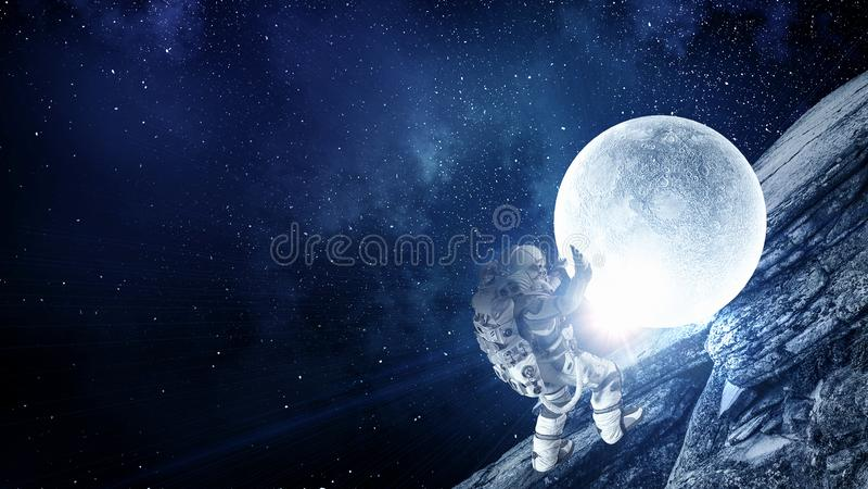 Astronaut och hans beskickning Blandat massmedia royaltyfri foto