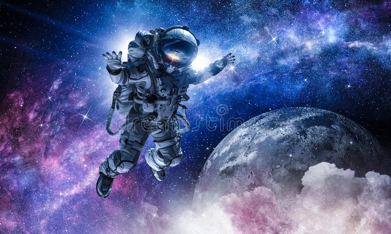 Astronaut op ruimteopdracht royalty-vrije stock foto