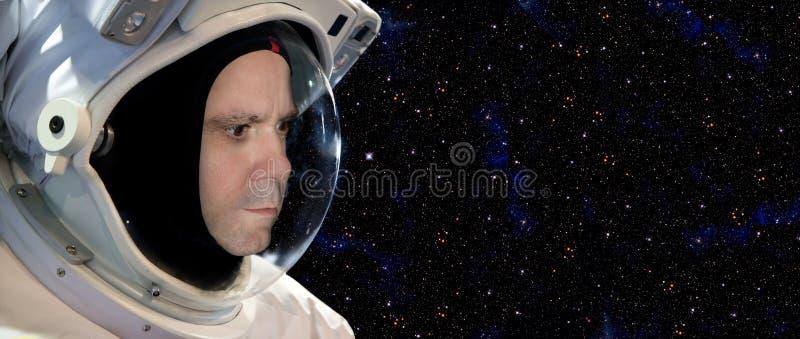 Astronaut op ruimteopdracht stock afbeeldingen