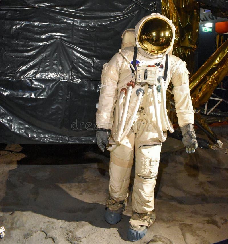 Astronaut på beskickning för månelandning Best?ndsdelar av denna avbildar m?blerat av NASA royaltyfria bilder