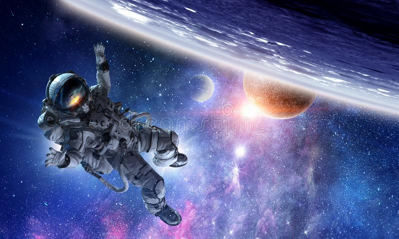 Astronauta na missão espacial imagens de stock
