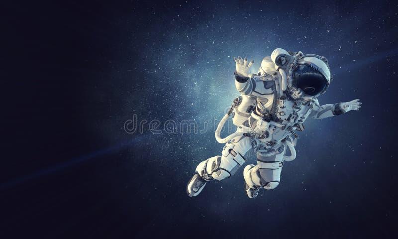 Astronauta na missão espacial Meios mistos imagem de stock