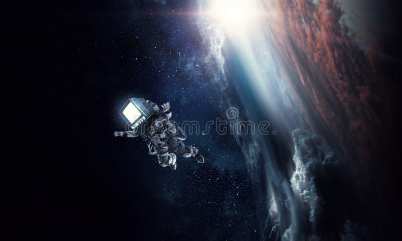 Astronauta z TV g?ow? w przestrzeni Mieszani ?rodki ilustracja wektor